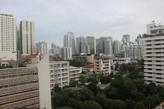Legacy Suites Sukhumvit by Compass Hospitality: Bangkok