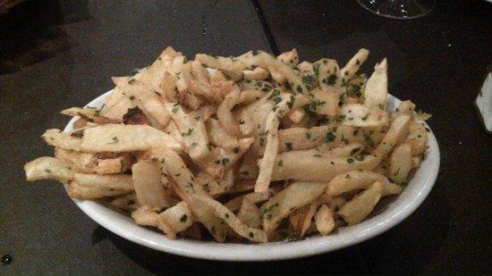 Besares: papas fritas a la provenzal