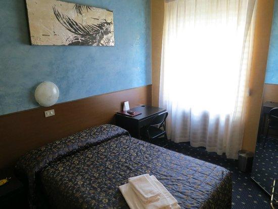 Parco Fiera: Bella stanza singola con letto a 1 piazza e mezza