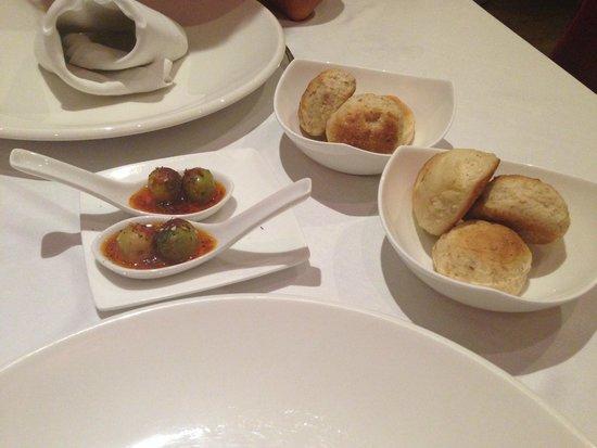 L'Atelier: Special Tapas - Chilli Olives
