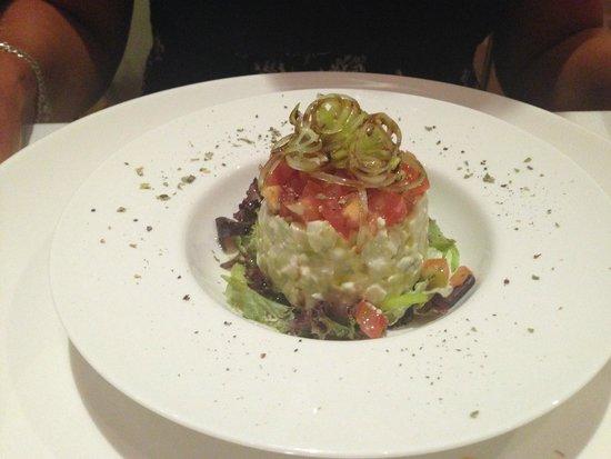 L'Atelier: Tambal De Aguacate - Egg, Tomato, Avocado & Leek