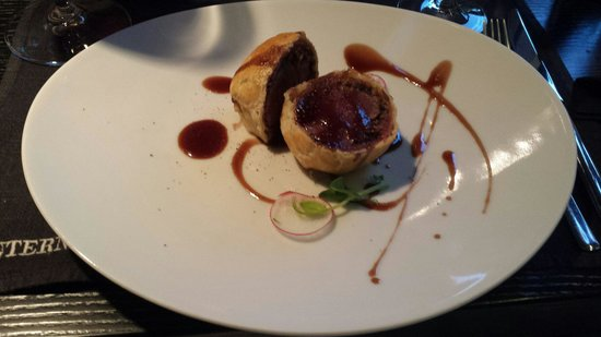 International SV: Beef wellington..the classic