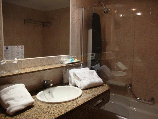 Sirenis Hotel Goleta & Spa: Salle de bain