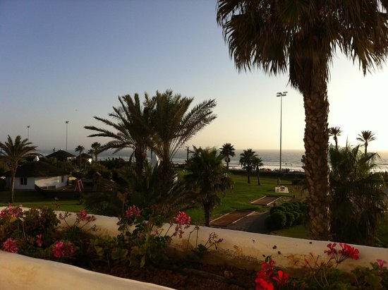ClubHotel Riu Tikida Dunas : View from Block 3 (top floor) when sun finally came out!