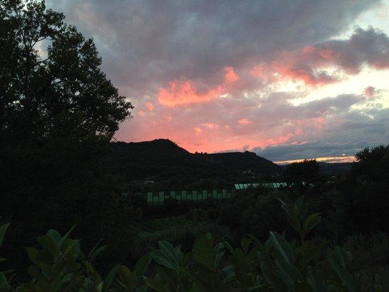 Borgo Fontanile: Vista tramonto dall'hotel