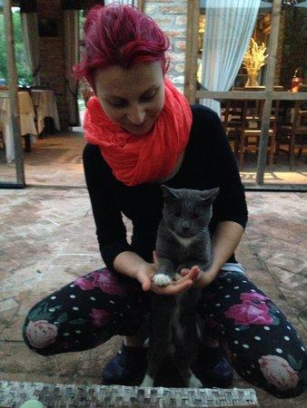 Borgo Fontanile: Jessica e il gatto Nebbia