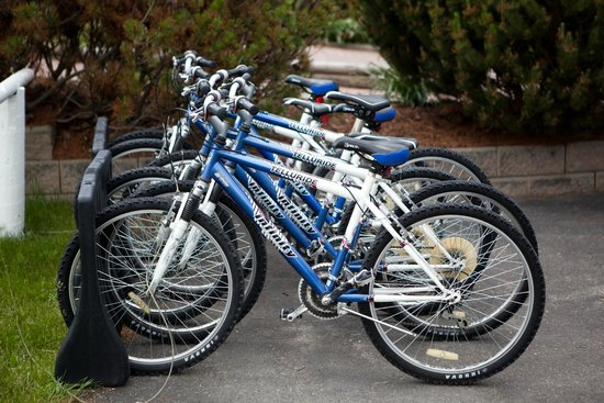 South Thompson Inn & Conference Center: Complimentary Mountain Bikes