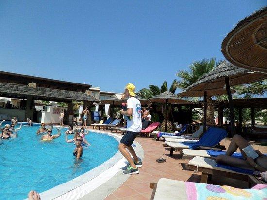 Stella Palace Resort & Spa : Jack & Maria doin aqua gym