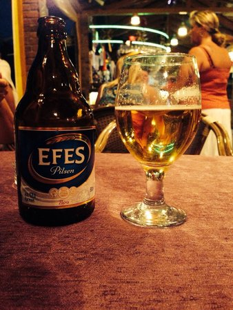 Club Sun Village: Relaxing with an Efes