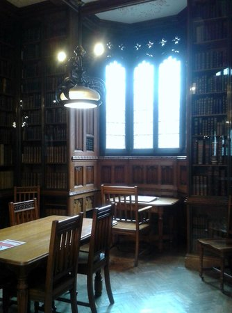 The John Rylands Library: Alcove in the Historic Reading Room