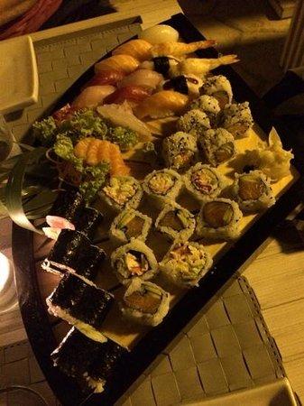 MEIJI by Hagakure Sushi: Sushi misto
