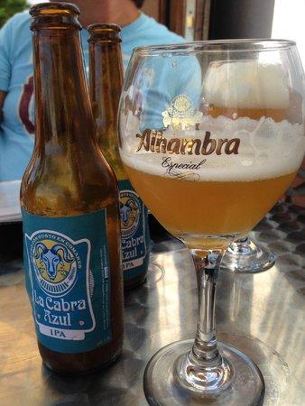 Table Mountain Comares: cerveza Cabra Azul