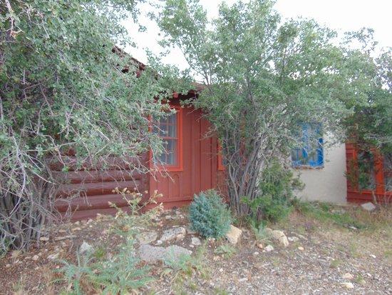 Bright Angel Lodge: room exterior