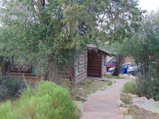 Bright Angel Lodge: exterior
