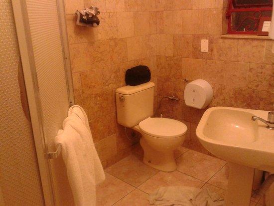 Lagoa Guest House: Banheiro feminino