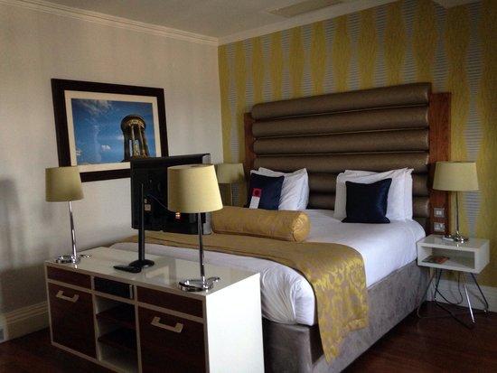 Hotel Indigo Edinburgh: Lovely huge bed :D