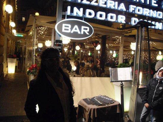 Ristorante Strega : entrada do restaurante, super lindo e romantico
