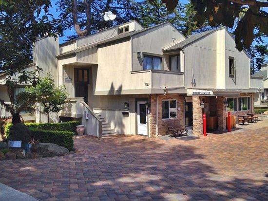 BEST WESTERN The Inn & Suites Pacific Grove : Best Western