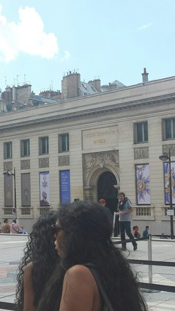 Musée d'Orsay: Outside of Orsay Museum
