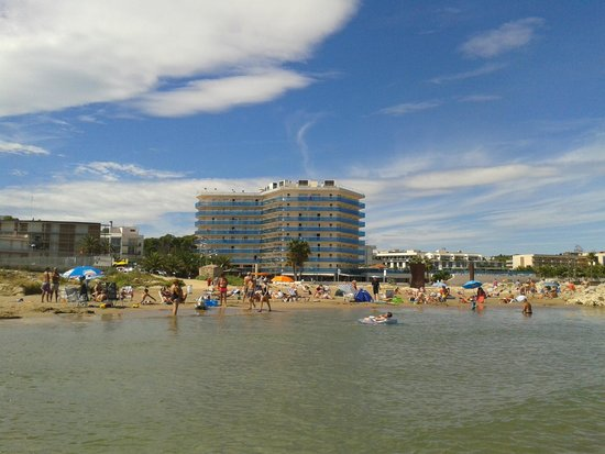 Golden Donaire Beach Hotel: View from the beach (daytime)