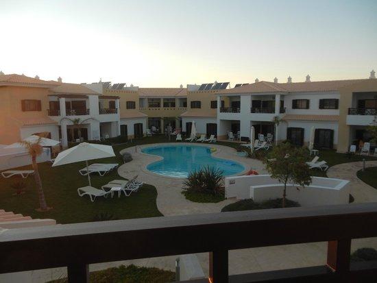 Sagres Time Apartamentos: Pool area