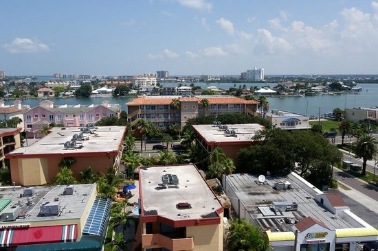 DreamView Beachfront Hotel & Resort: Partial Harbor view and city view