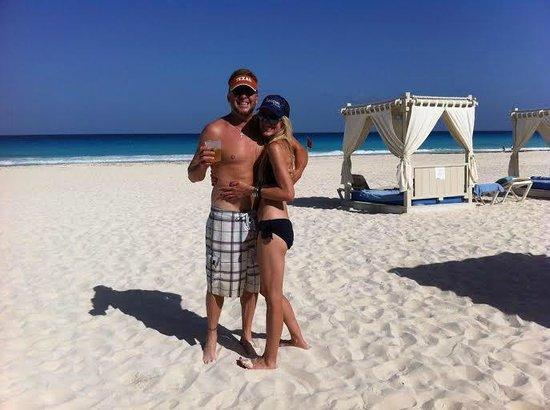 Omni Cancun Resort & Villas: spacious beach area, always clean