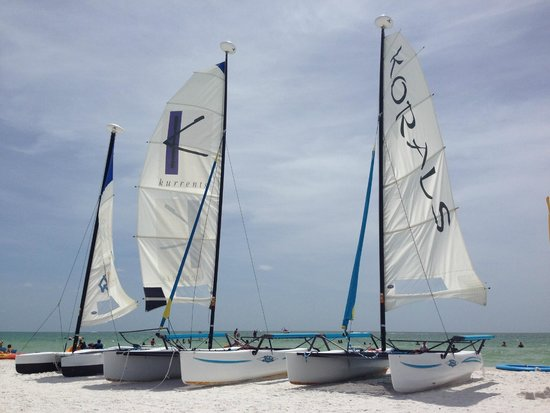 JW Marriott Marco Island: Boats you can take on the water