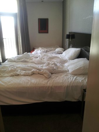Crowne Plaza Hotel Jerusalem: Twin bed, put together. But it was comfortable.