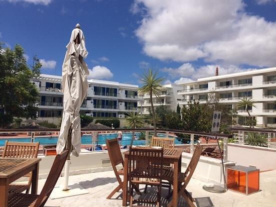 Marina Club Lagos Resort: Pool view and apartments Marina Club.