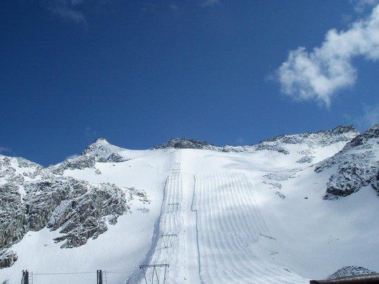 Hotel La Torretta: Veduta del ghiacciaio
