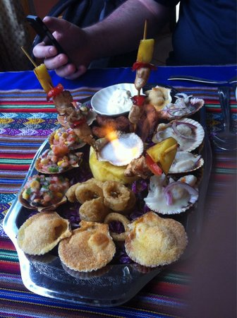 Casona del Cuzco: Ceviche, camarones, calamares, pollo todo delicioso