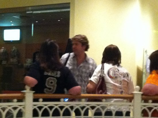 Beau Rivage Resort & Casino Biloxi: End of Concert meeting guests, etc at Gelato shop