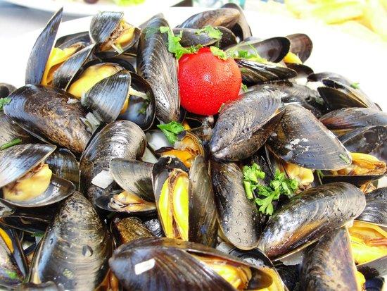 Plage Le Ruban Bleu: Good mussels!