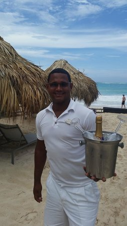 Paradisus Punta Cana: You can't go wrong with service with a smile like that....