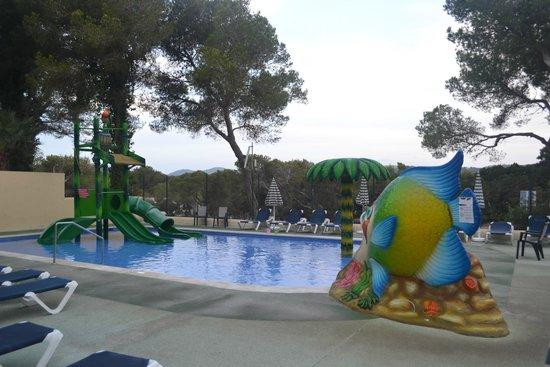 Fiesta Hotel Cala Nova: Childrens pool