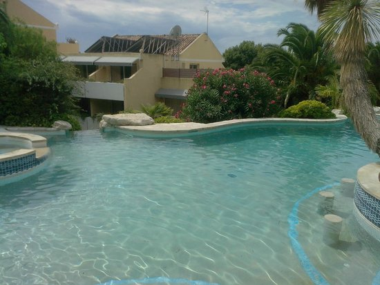 Hotel Royal Cottage : Piscine