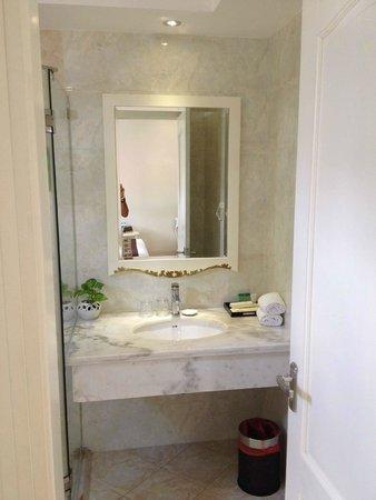 Alagon Saigon Hotel & Spa: bagno