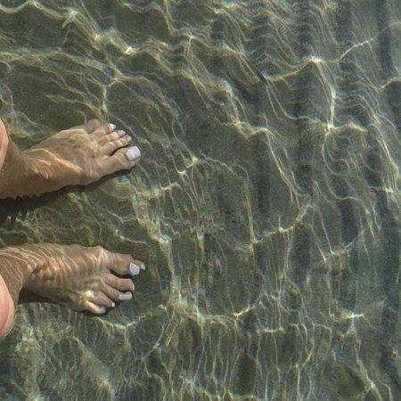 Laganas Beach: Clear, shallow water
