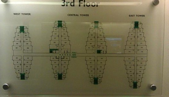 St Giles London - A St Giles Hotel: The towers are closer together than shown on plan