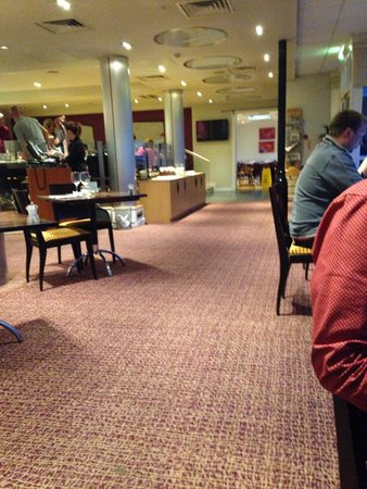 Holiday Inn Ellesmere / Cheshire Oaks: Other part of the restaurant