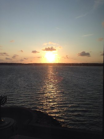Radisson Blu Waterfront Hotel, Jersey: Sunset view from suite