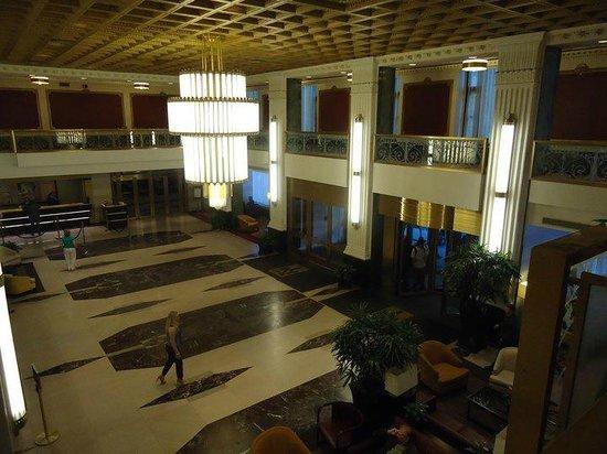 The New Yorker a Wyndham Hotel: Hotel foyer