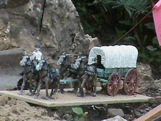 Taltree Arboretum and Gardens: Wagon days