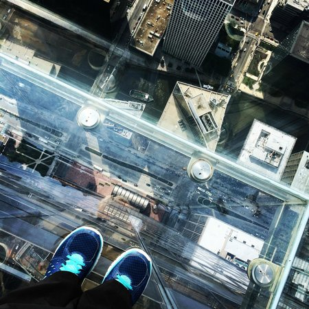 Skydeck Chicago - Willis Tower : View from the walkout
