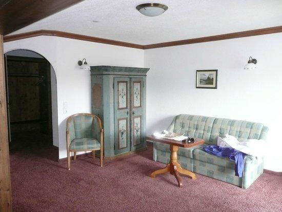 Hotel Haymon : coin salon dans la chambre