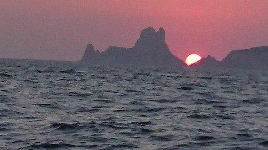 Es Vedra : Por do sol em alto mar