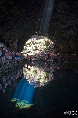 Jameos Del Agua: La luce nella grotta dei granchietti