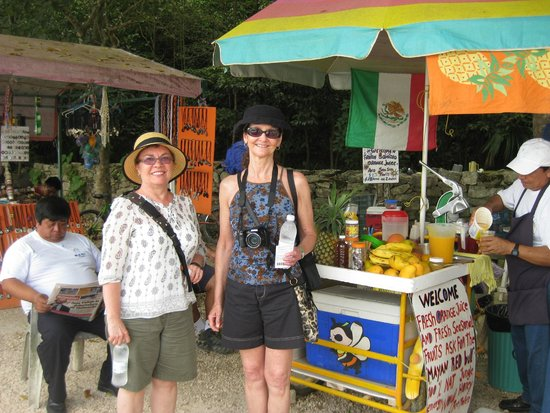 Maya Can Eco Tours : Enjoying a Mayan Red Bull at Coba