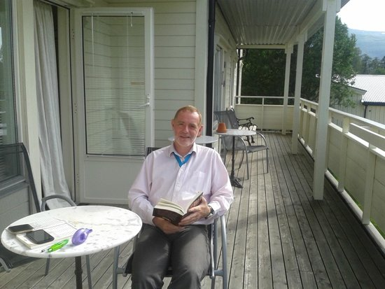 Home Sleep: A read on the terrace, enjoying the peace and the view